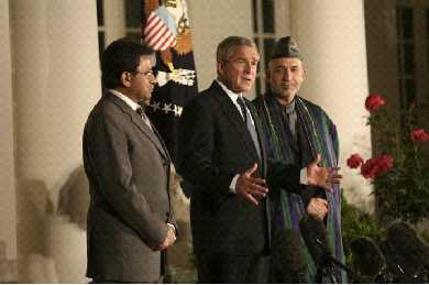 Bush, Musharraf och Karzai